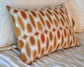 Tasseau Cushion / modern lumbar pillow / yellow ochre pillow / minimal geometric pillow / luxe home decor / earth tones pillow / gold pillow