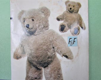 """Realistic Teddy Bear Stuffed Animal Sewing Pattern, Linda Carr / Vogue 569 /8658 Large, Soft Sculpted Stuffed Toys UnCut Craft Pattern/  23"""""""