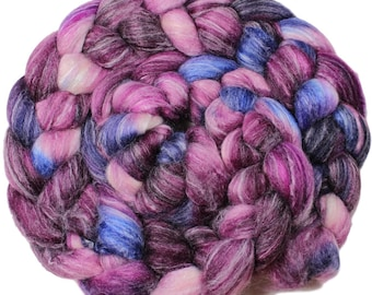 Dilly dally - hand-dyed Merino wool / bamboo / silk (4 oz.) combed top roving