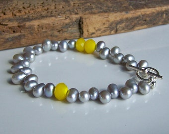 Etsy, Etsy Jewelry, Freshwater Pearl Bracelet, Silver Pearls, Gray and Yellow, Grey and Yellow, Pearl Bracelet, Beaded Bracelet