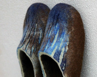 Felted slippers for men - Woolen clog - Valenki - Mens home shoes - House shoes - Felted clogs - Brown mint green blue - Love slippers
