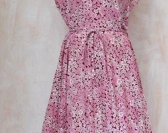 Larger size,lightweight fabric ,pink,floral,1980s 1990s,shoulder pads,feminine,dress,flowy skirt frock