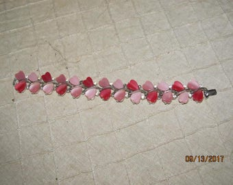 Vintage Signed Lisner Red & Pink Thermoset Molded Hearts Bracelet with Rhinestones