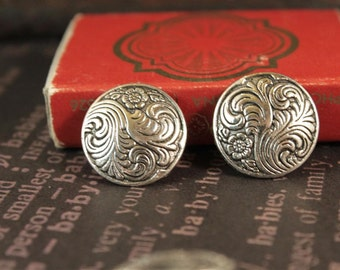 8pcs Ornate Scroll Flower Silver Shank Buttons (SB217)