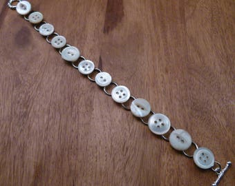 Mother of Pearl Button Bracelet, B90
