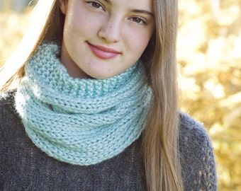 Knitting Pattern - Cowl, Scarf, Neck Warmer // Be A Dreamer
