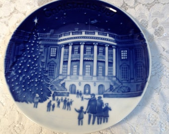 """Bing and Grondahl Christmas in America 5 inch Plate, Hand Painted """"Christmas Eve at the Whitehouse"""". 1987, Collectible Copenhagen Porcelain."""