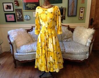 1950s Full Circle Skirt Dress / Dress Yellow Floral Print / Vintage Dress / Full Skirt