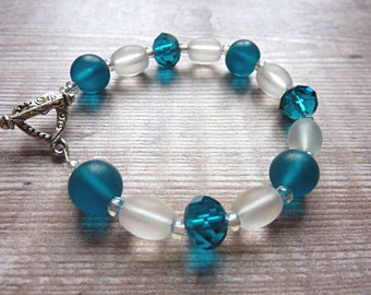 Teal Blue and White Crystal Bracelet.  Bead Beaded Bracelet with Teal Blue Frosted Glass Beads.  Fashion Jewellery for Women.  Lovely Gift
