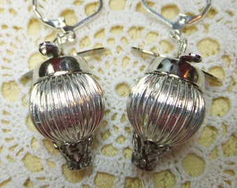 Air Ship Silvery Steampunk Fantasy Hot Air Balloon with Top Propeller Dangle Earrings Very Lightweight