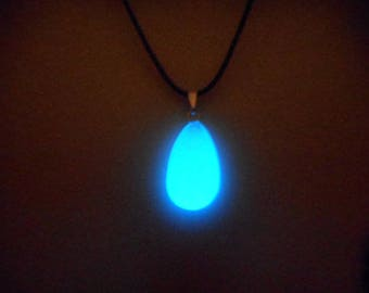 Kingdom Hearts Necklace Pendant, Glow in the dark Jewelry, Glow Necklace, KH Kairi Necklace, Pendant   - 8 hour glow!