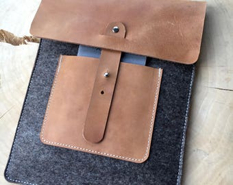 Cover for the ipad Pro 10.5 from wool felt & leather