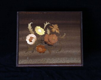 Vintage small Flower inlay card timber box