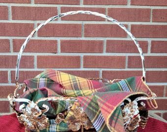 This rusty, shabby chic, metal basket with leaves. FREE SHIPPING! Item# 103172