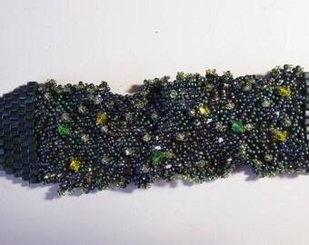 Forest green  netted  bracelet