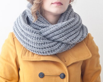 Gray Infinity Scarf, Knit Chunky Scarf, Collar Scarf, Christmas Gifts, Gray Girlfriend Gift, Winter Scarves, Gifts for Women, Mens scarf