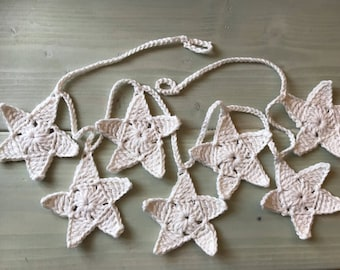 Garland of stars in the white crochet stars crochet garland