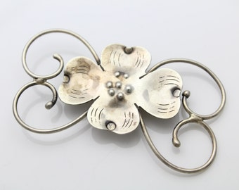Large Vintage Hand Made Sterling Silver American Arts and Crafts Flower Brooch. [949]