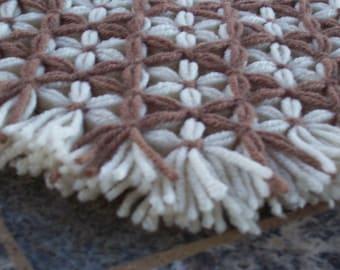 Retro Woven Kitchen Trivet, Brown Taupe, Yarn Hot Pad, Yarn Serving Mat, Yarn Trivet, Woven Mat, Brown Hot Pad, Daisy Flower Trivet, Flowers