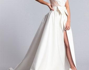 Long white bridal skirt, Bridal overskirt, Bridal skirt, Bridal white skirt with a bow and with train.