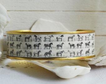 Horse Jewelry, Horse Bracelet, Equestrian Bracelet, Equestrian Cuff, Equestrian Jewelry, Vintage Jewelry, Vintage Cuff, Vintage Horse Print