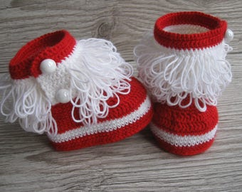 Christmas booties Santa baby red booties Knit booties Baby shower gift Baby shoes Winter baby shoes Newborn booties Red booties Baby socks