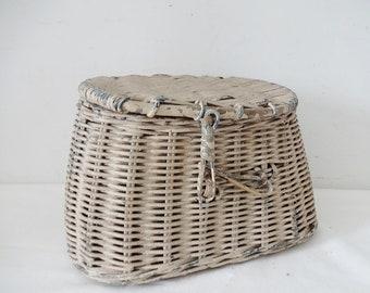 Primitive Child's Fishing Creel Basket