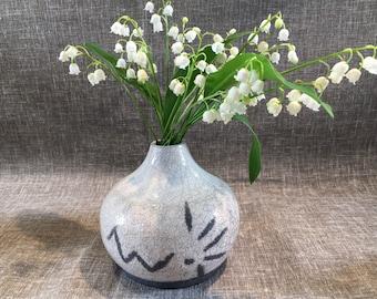 Stoneware firing Raku vase