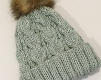 Beanie chunky cable knit with faux fur pom pom