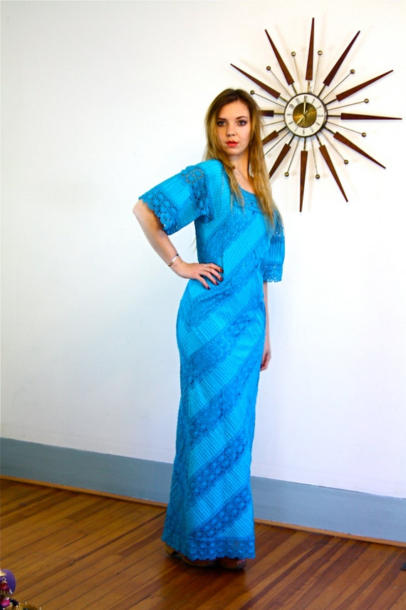 70s Lace Maxi Dress, Turquoise Blue Lace, 70s boho dress, Mexican wedding, Hippie Maxi dress, Long fitted Mermaid dress, vintage 1970s dress