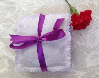 Lavender sachets made with Broderie Anglaise