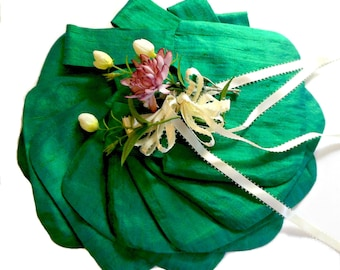 Small evening bag, bridesmaids bag, green shantung bag, Japanese knot bag, emerald green bag, wedding wristlet, clutch alternative, handbag
