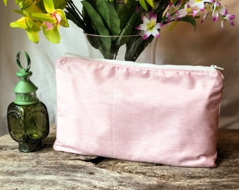Pink Zippered Essential Oil Pouch with removable insert