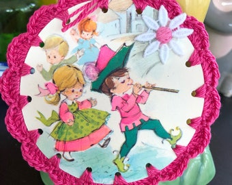 Crochet Vintage Hallmark Image Card / Ornament / Tag / Bookmark - Retro Mod Groovy Pied Piper Children