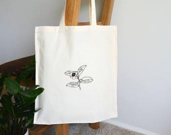 Tea lover tote bag - Camellia sinensis - Botanical art - Embroidered bag - Cotton shopper bag - Tea lover gift - Food art - Tea art