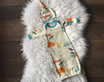Coming home outfit boy • newborn baby going home • organic gown and hat • take home • surfing • photo outfit • baby clothes
