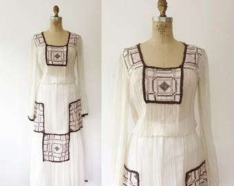 70s embroidey dress / 70s cotton dress / Boxwood Embroidery dress