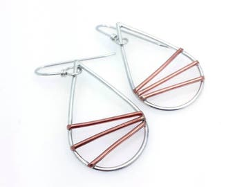 mixed metal jewelry | geometric jewelry | teardrop earrings | minimal earrings | minimalist jewelry | boho jewelry | hoop earrings | modern