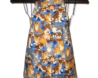 Child's Apron Ages 3 thru 8  Kittens Yarn  Reversible Adjustable