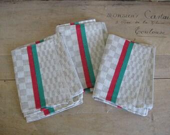 3 torchons Français en lin à carreaux avec des rayures rouges et vertes