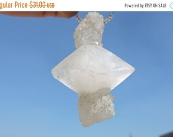 Summer Sale Huge Size Rare 1 Pc Outrageous Natural White Crystal Druzy Pendant Fully Natural Druzy Pendant Size 74X47 MM