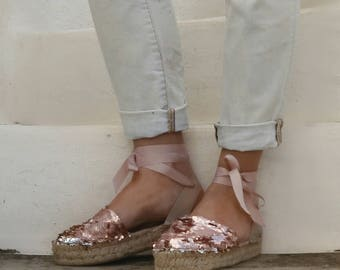 Lace-up Espadrilles Sandals with Sequins in Rose. Tie up Summer Flat Sandals.Greek Sandals. Boho Women's Shoes. Gift for Her. Alpargatas