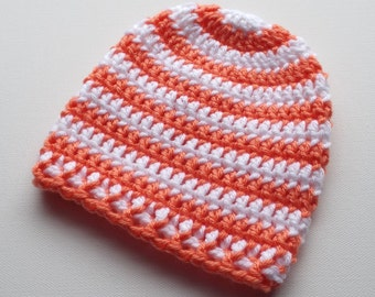 Newborn Crochet Hat, Coral and White Beanie, Baby Girl Hat, Infant Photo Prop, Coming Home Hat, Baby Gift, Ready to Ship