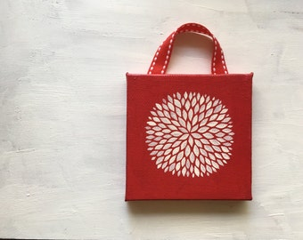 Portable painting - Petal Burst on Red