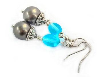 Shell pearl earrings with gemstone pearl