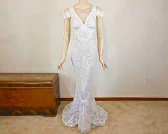 35% off SALE Off-the shoulder White Wedding Dress Crochet Bohemian  Lace Wedding Dress Beach Wedding Dress Sz Medium