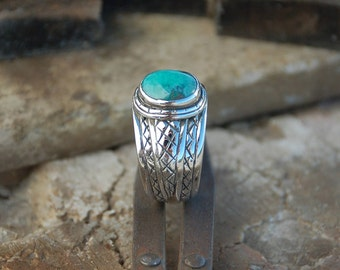 Silver ring Sterling ethnic type dressed with a Tibetan turquoise