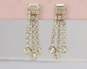 Vintage SWAROVSKI Earrings Rhinestone Dangles unSigned Clip