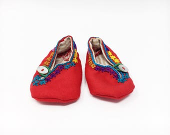 Baby embroidered shoes, handmade baby shoes, Mexican baby shoes