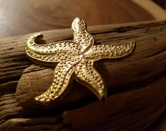 Vintage Gold Toned Starfish Costume Jewelry Brooch Ocean Mermaid